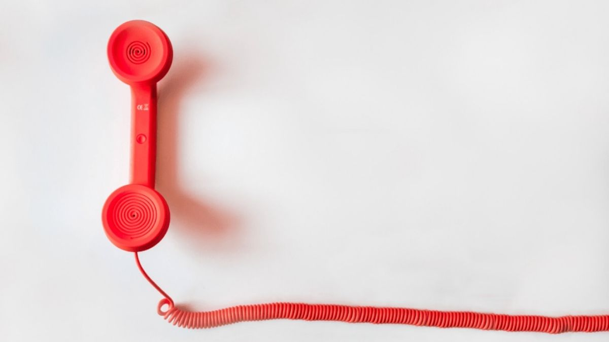 How to avoid the stress of rising call waiting times with HMRC